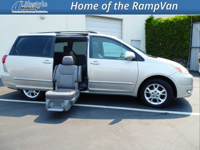 2005 Toyota Sienna  Wheelchair Van For Sale