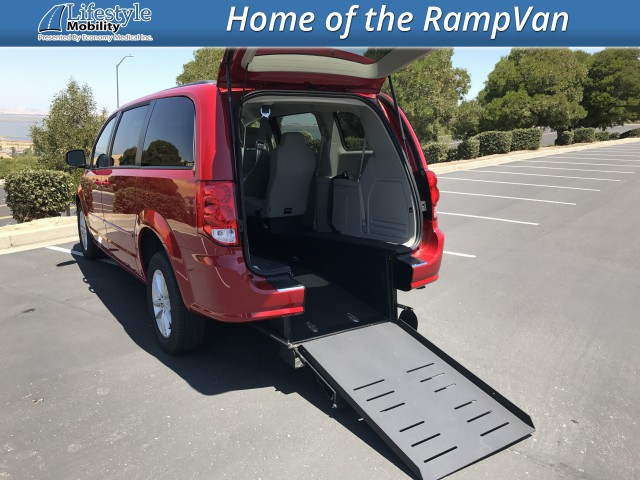 2015 Dodge Grand Caravan BraunAbility Dodge Power Rear Entry Wheelchair Van For Sale