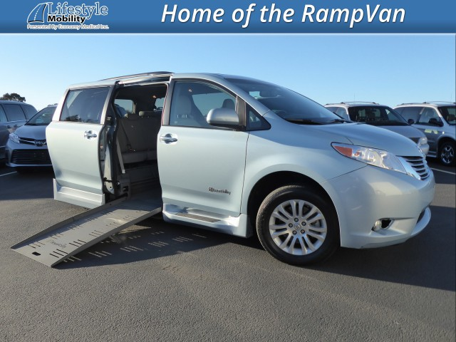 2016 Toyota Sienna BraunAbility Rampvan XT Wheelchair Van For Sale